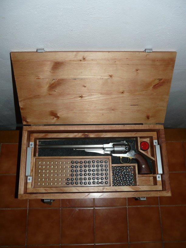 fabrication coffret revolver P1220115