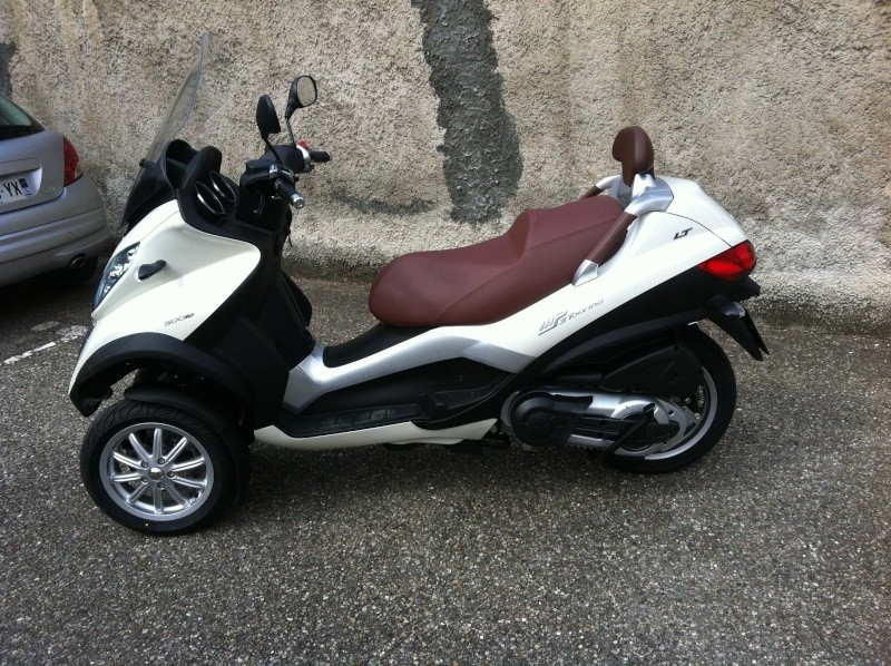 Commande de mon Piaggio Mp3 500 Business  blanc perle Img_0111
