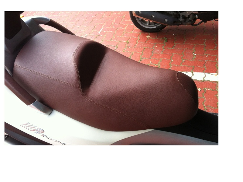 Modification de la selle de mon Piaggio Mp3 Img_0123