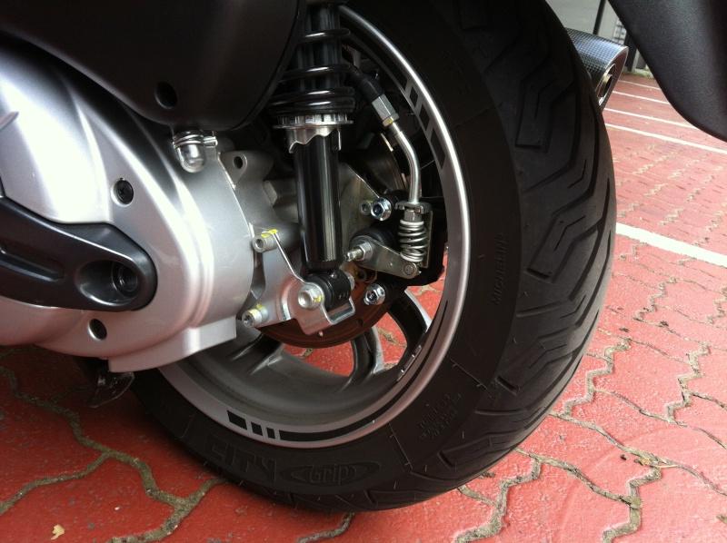 Déco via stickers pour nos scooters 3 roues Img_0125