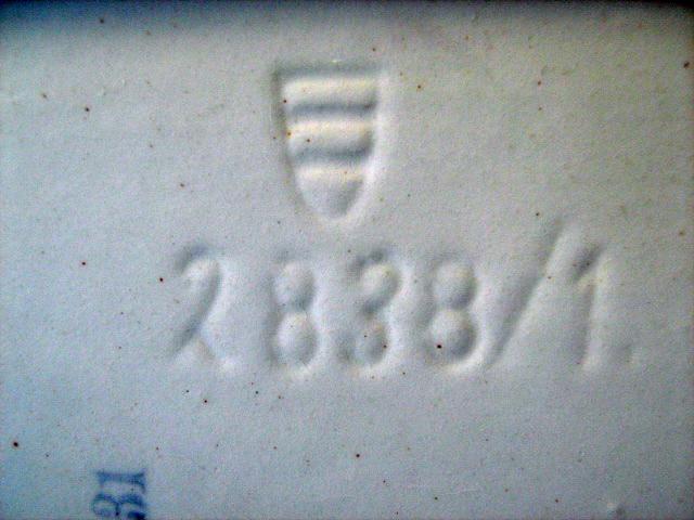 Pottery Box English?  Img_1023