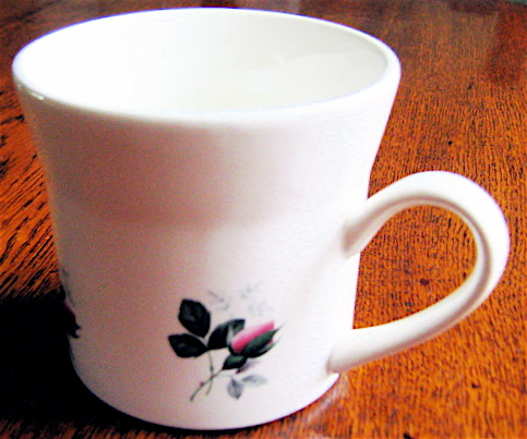 No Name Rosebud on Forma cup Img_1424