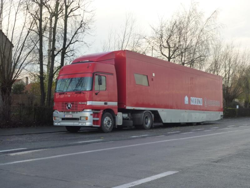 Mercedes rouge 00322