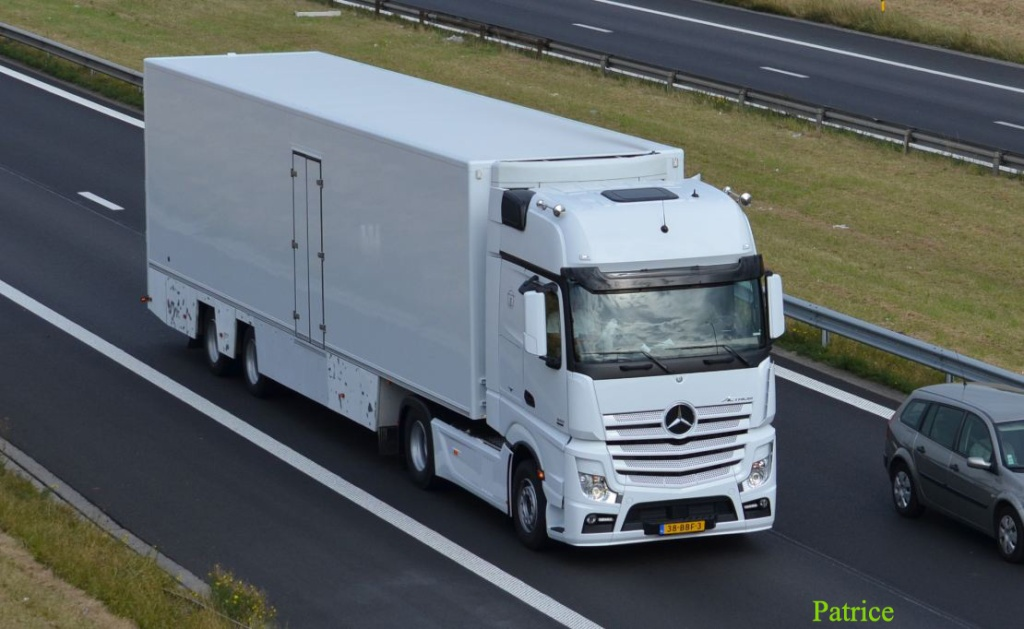 Mercedes Actros MP4 (euro 6 )  - Page 2 443a_c10