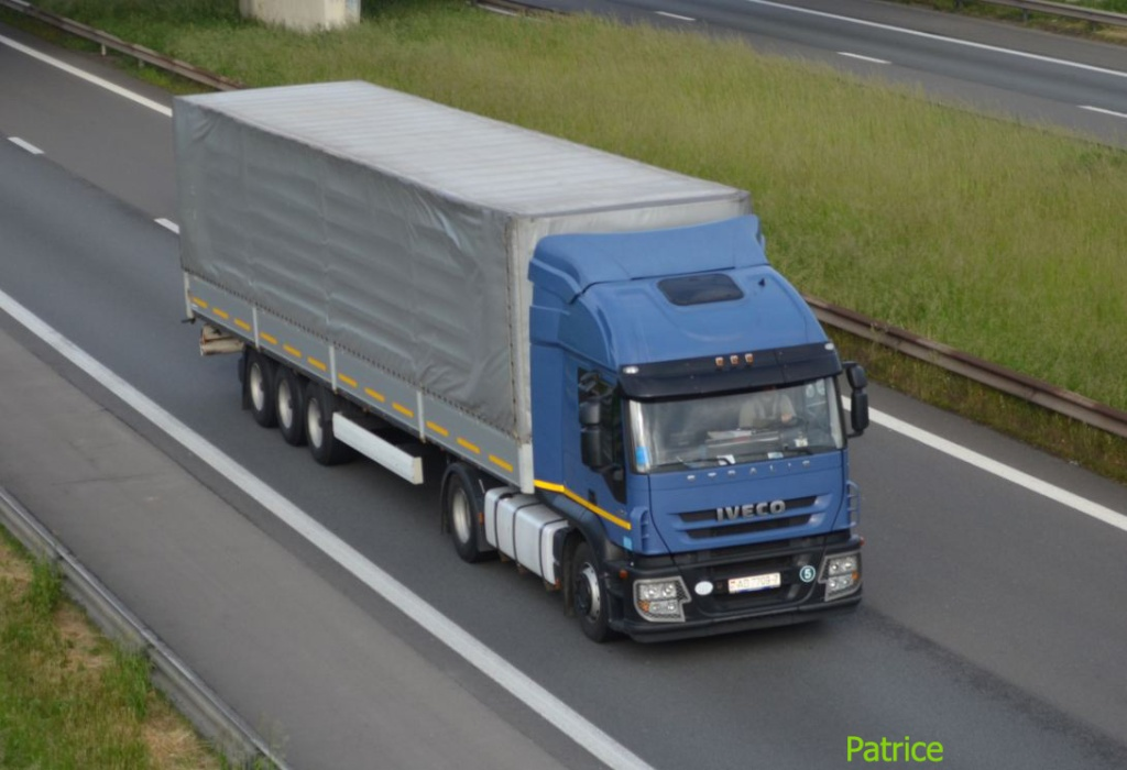 Iveco Stralis  - Page 2 568_co10