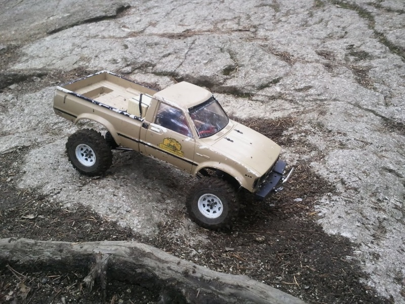 [ SCX10 Axial ]  hilux( un de plus) - Page 3 Photo011