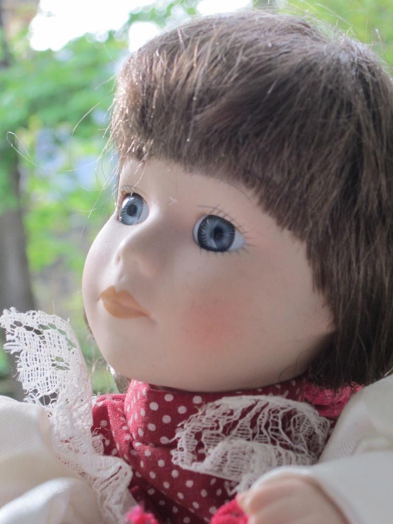 Mes petites poupées de porcelaine  Img_2119