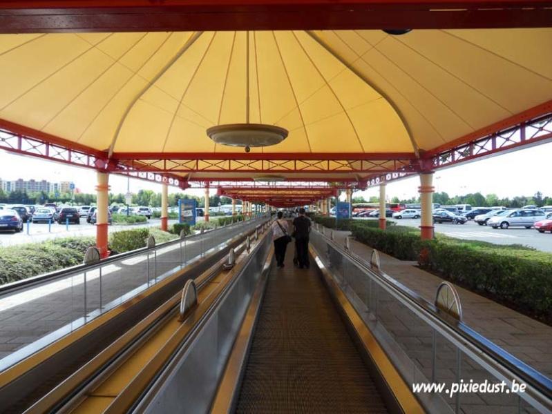Toll Plaza (péage du Parking des Parcs) et tapis roulants - Page 6 Dlp_1511