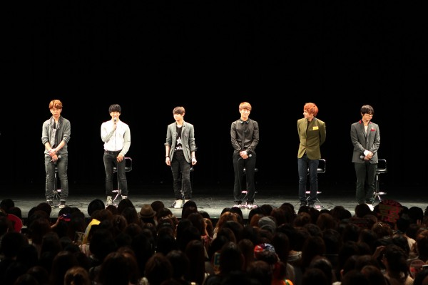 """[NOTI][24.09.11]5.000 aficionados asistieron a la presentación de B2ST """"Promise Event"""" en Japón 20110914"""
