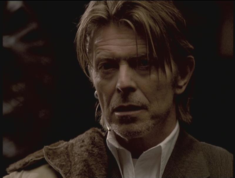 David Bowie pictures. - Page 6 Sans_t10
