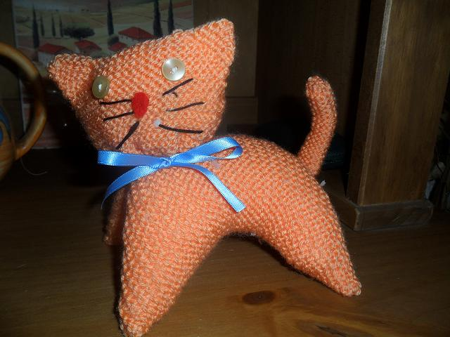 petit chat en tricot! Sam_2018