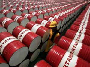 مسؤول: الإمارات تعهدت بتقيدم 3 ملايين برميل من النفط لليمن News_311