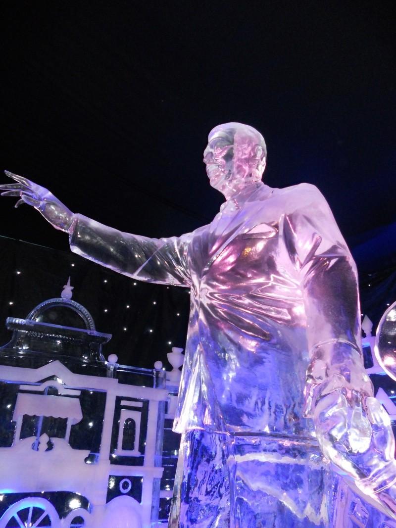 Le festival de sculptures de glaces (thème Disneyland Paris) - Page 2 Bruges11