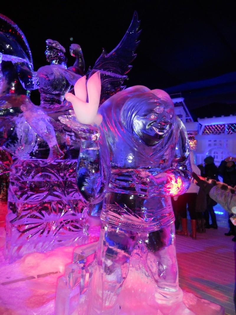 Le festival de sculptures de glaces (thème Disneyland Paris) - Page 2 Bruges15