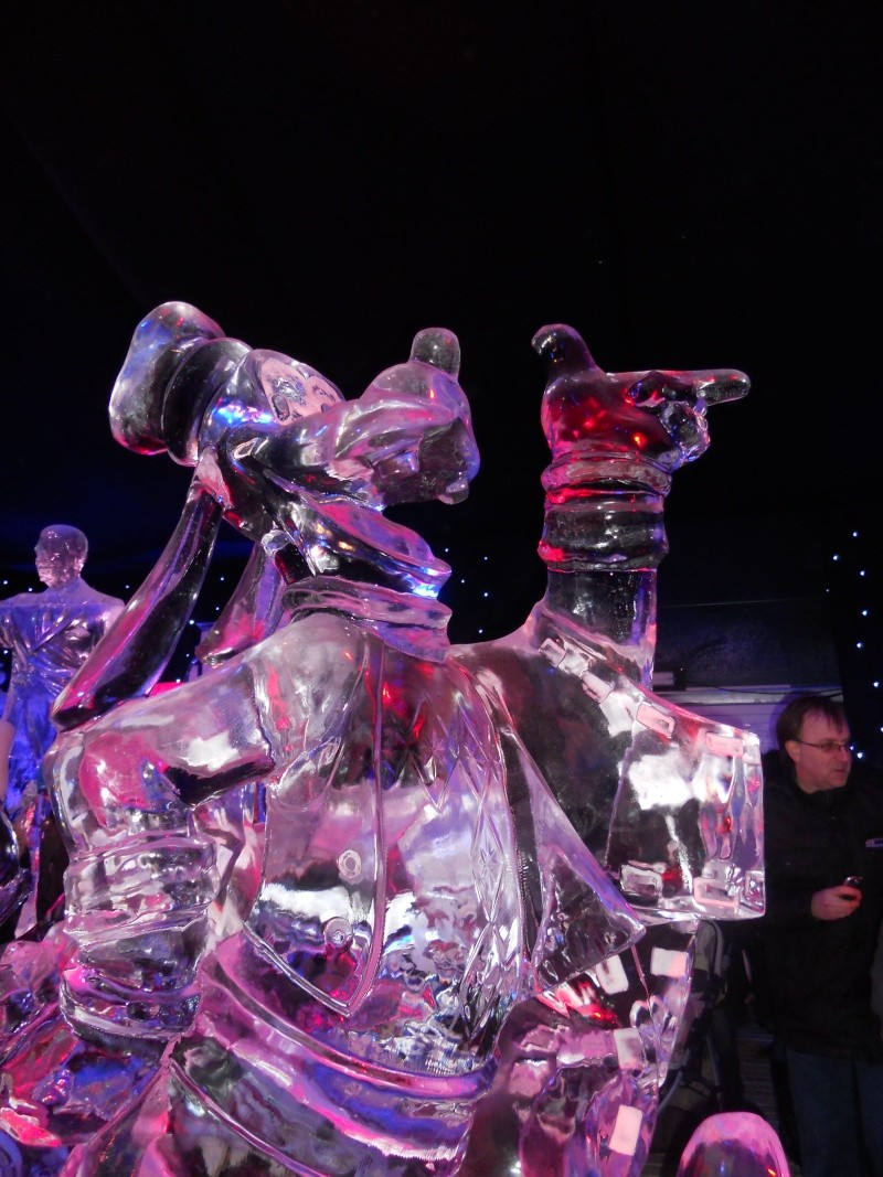 Le festival de sculptures de glaces (thème Disneyland Paris) - Page 2 Bruges16