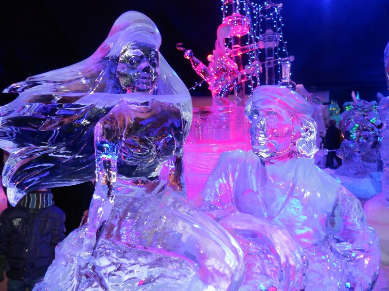 Le festival de sculptures de glaces (thème Disneyland Paris) - Page 2 Bruges22