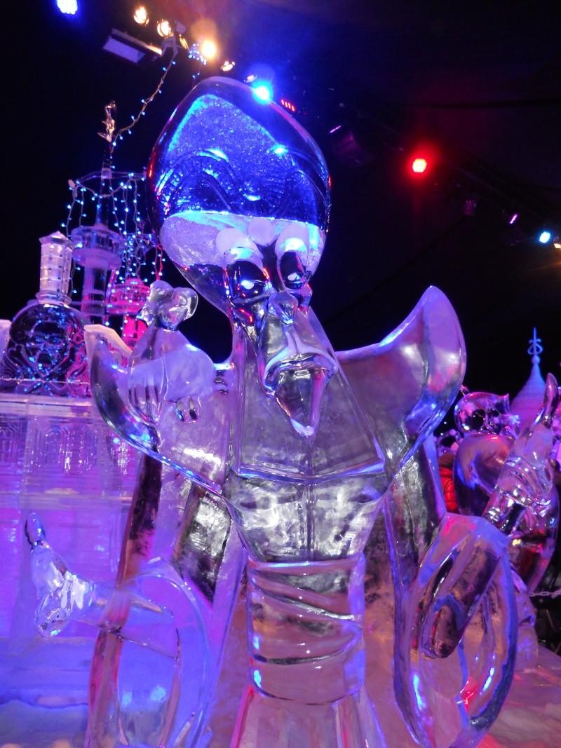 Le festival de sculptures de glaces (thème Disneyland Paris) - Page 2 Bruges29