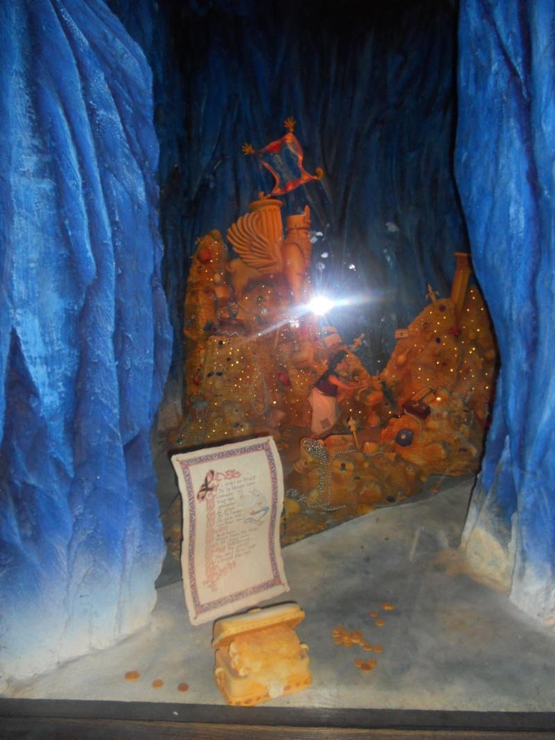 Le passage enchanté d'Aladdin - Page 2 Disne294