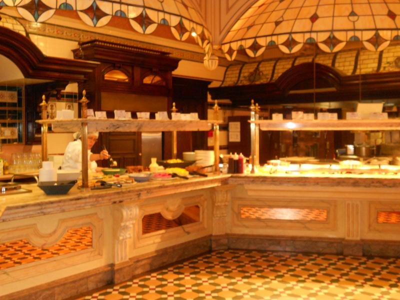 Plaza Gardens Restaurant (carte mise à jour p.35) - Page 6 Dscn0612