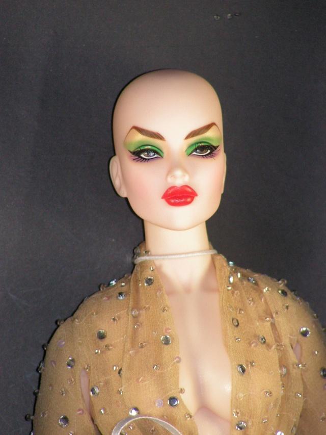 AVANTGUARDS Doll : j'ai repeint la mienne 70389611