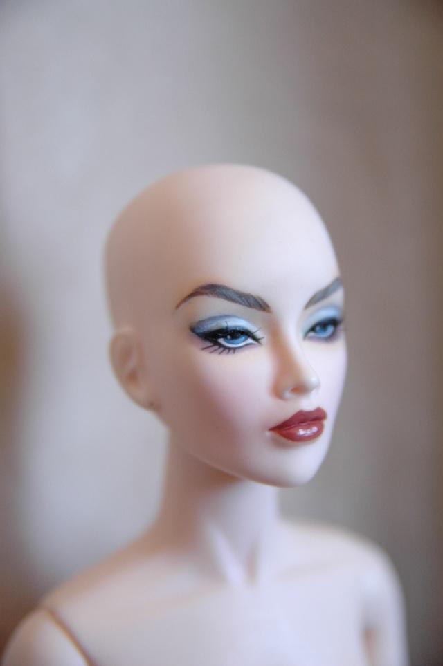 AVANTGUARDS Doll : j'ai repeint la mienne Dsc_0264