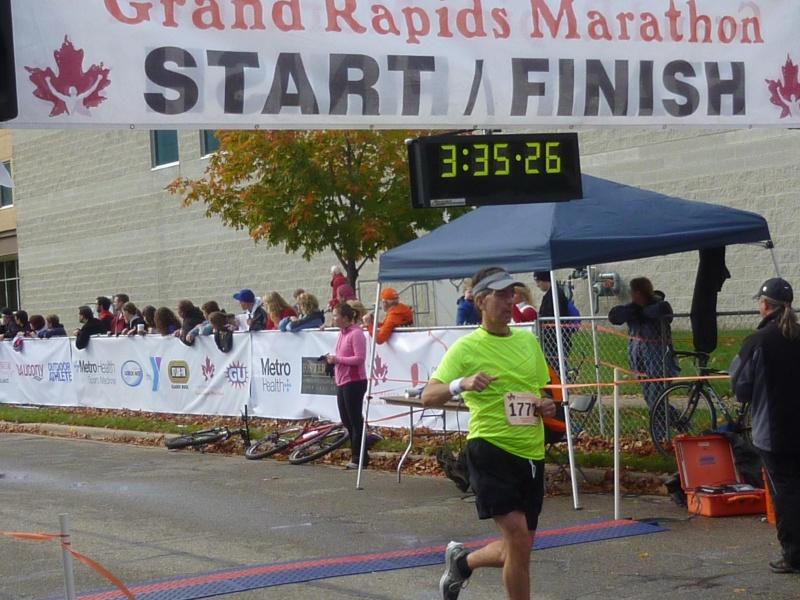 Grand Rapids marathon Grfini11