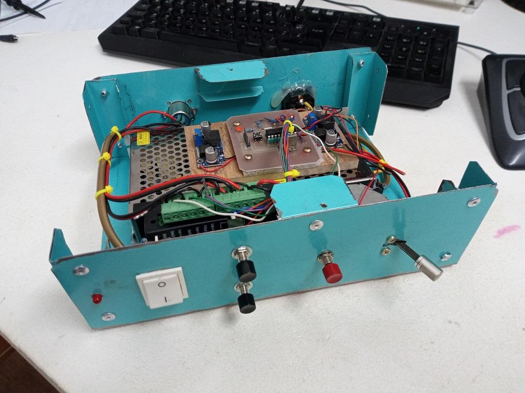 Motorisation numérique d'une table de fraiseuse S1111
