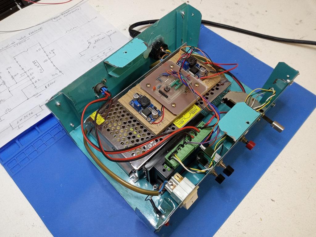 Motorisation numérique d'une table de fraiseuse S1210