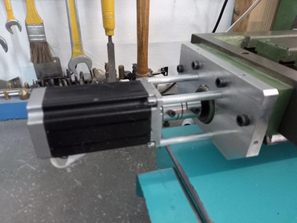 Motorisation numérique d'une table de fraiseuse S1510
