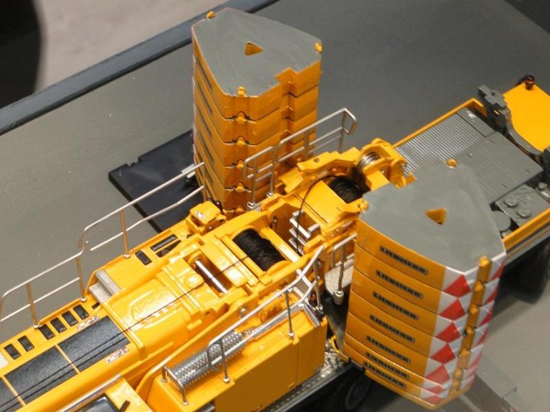 LIEBHERR LTM 1350-6.1 C0w8mz10