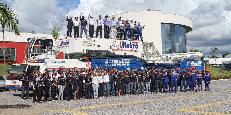 Les grues de Makro (Brésil) Ltm_1111