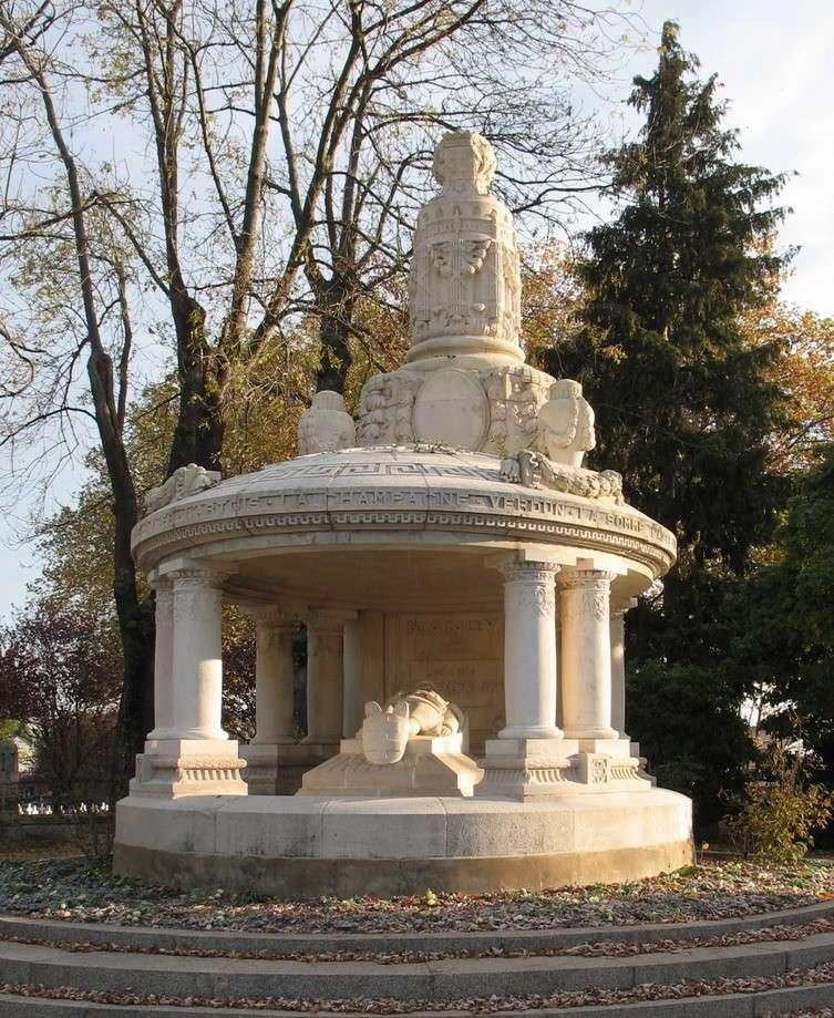 [Histoires et Histoire] Monuments aux morts originaux Français Tome 1 - Page 6 Nancy10