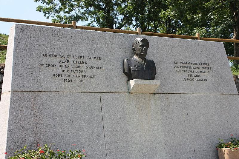General Jean GILLES Monume10