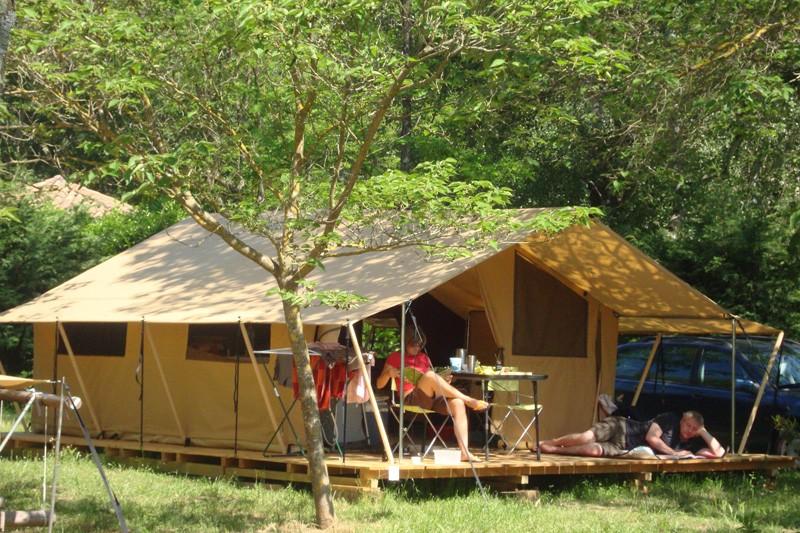 Camping Indigo Parc des Oiseaux (Villard-les-Dombes- 01) Campin12