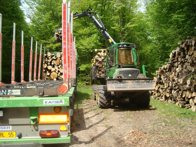 Porteur forestier (John Deere) Porteu10