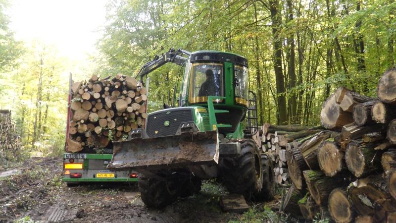 Porteur forestier (John Deere) Porteu16