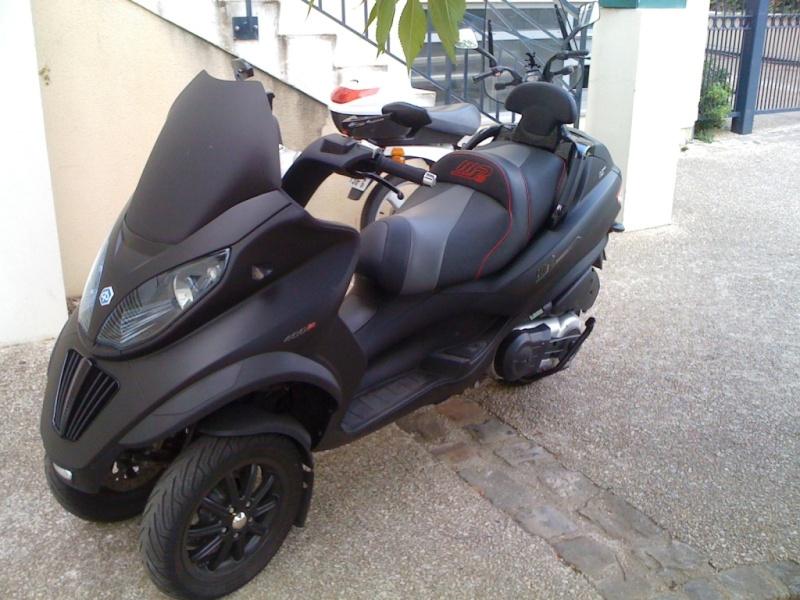 [Vendu] Vends Piaggio mp3 sport 400 lt noir mat Img_0110
