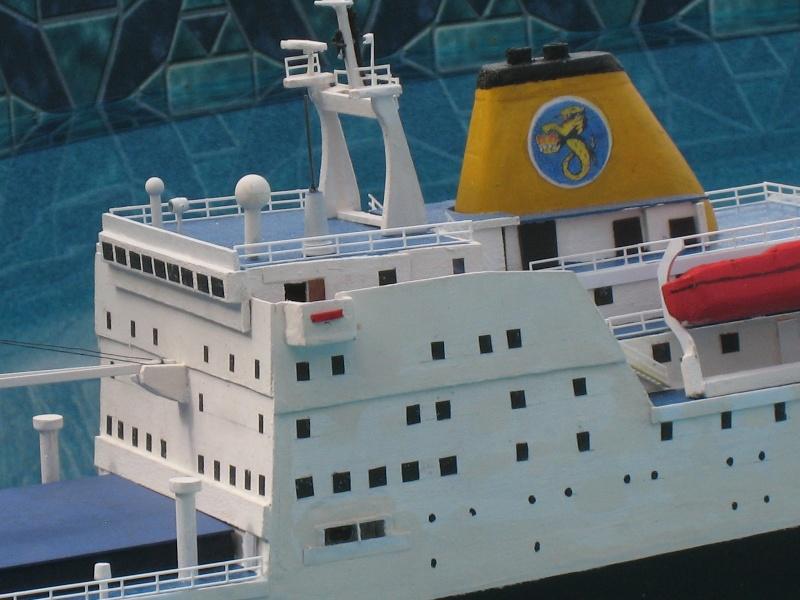 Pride of Bilbao v RMS St Helena Img_9410