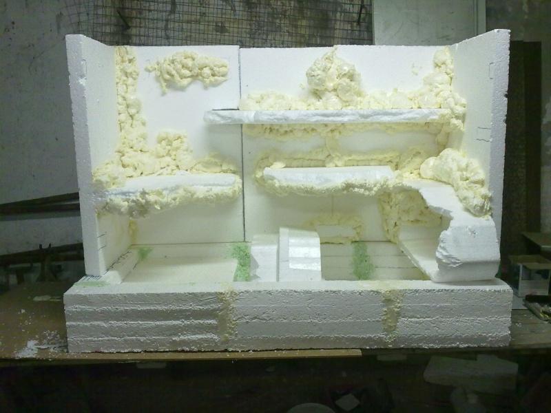 Terrarium MDF avec décor roches + 2-3 autres réalisations en cours 01110
