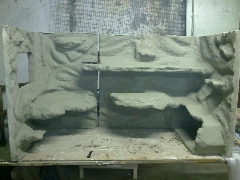 Terrarium MDF avec décor roches + 2-3 autres réalisations en cours 02310