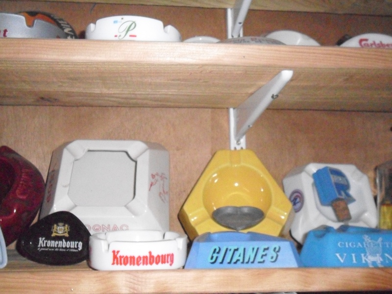 ma collection de porte-clé et de cendriers Sam_0913