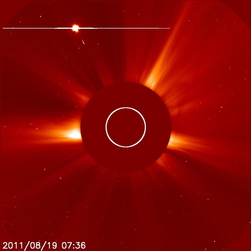 Objetos no identificados y anomalias al rededor del sol 20110812