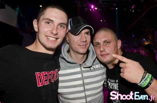 Vos photos avec des DJ's - Page 7 38940010