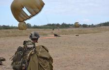 15 jeunes français, engagés dans une préparation militaire parachutiste, ont sauté aux côtés des cadets malgaches Premil10