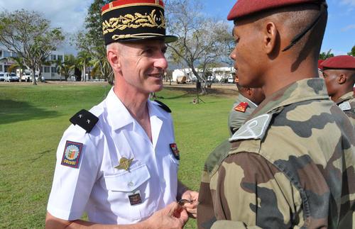 15 jeunes français, engagés dans une préparation militaire parachutiste, ont sauté aux côtés des cadets malgaches Premil11