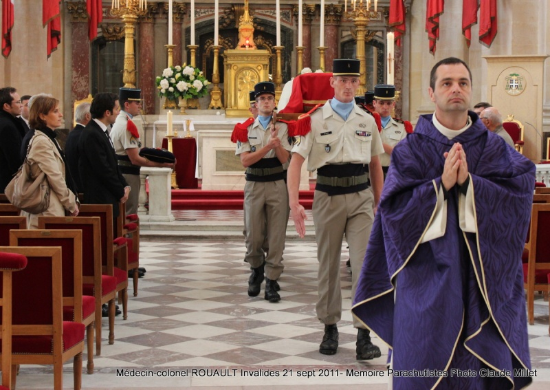 ROUAULT Pierre Médecin-colonel - 5e BPV-8e BPC - 21 septembre 2011 - Invalides cérémonie religieuse Img_0128