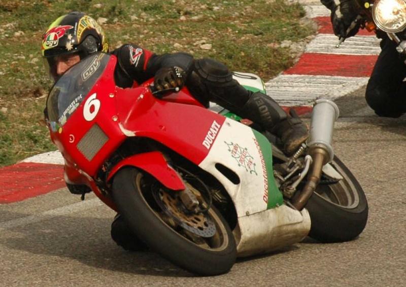 Le sujet des motards :) - Page 3 Pat-at10