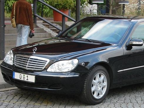 Interdiction des photos de véhicules avec plaques non-floutées. 23269_11