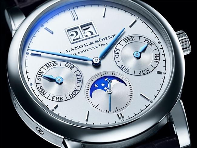 montres de + de 1000 euros - Page 5 42878110