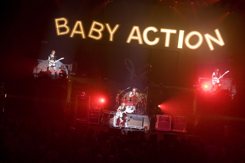 SCANDAL VIRGIN HALL TOUR 2011「BABY ACTION」 - Page 3 _big0611